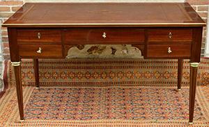 図6-1-4:ルイ16世様式の机